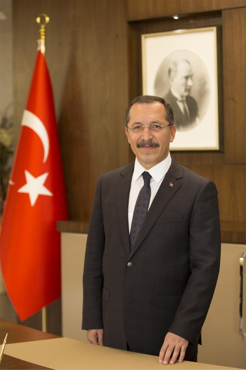 Atatürk; ''Bütün Ümidim Gençliktedir''