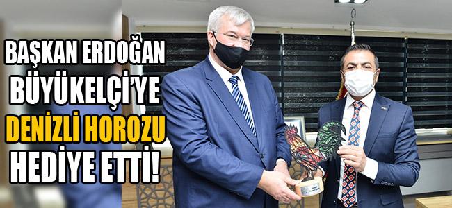 Başkan Erdoğan, Büyükelçi'ye Denizli Horozu Hediye Etti!
