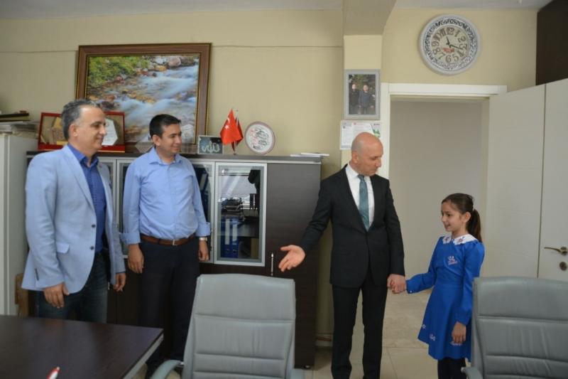 Başkan Özbaş, başkanlık koltuğunu Gür'e devretti