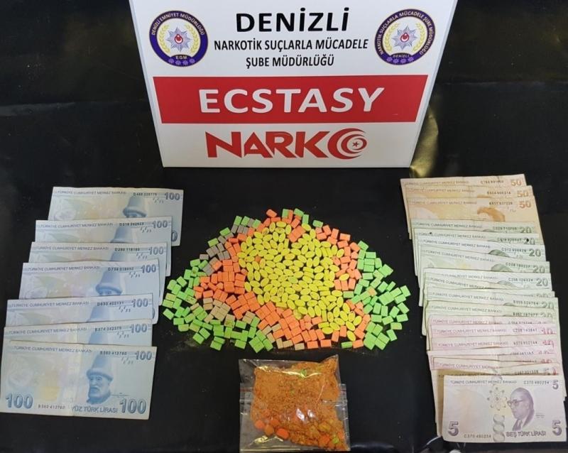 Denizli Emniyeti Uyuşturucu Tacirlerini Köşeye Sıkıştırdı
