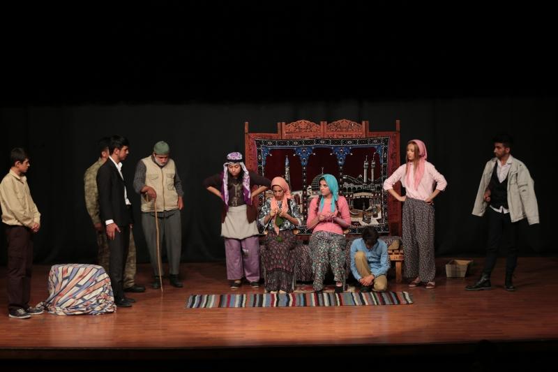 Genç Denizli'den Tiyatro Günleri