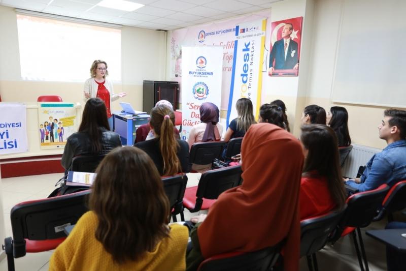 Gençlik Meclisi'nden AB Fırsatları Eğitimi