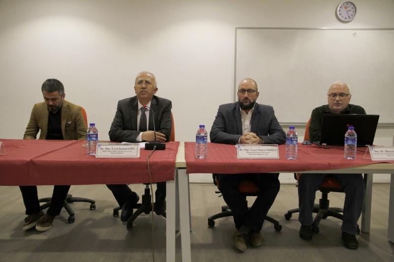 """PAÜ'de """"Medeniyet, İnsan ve Din"""" konulu panel düzenlendi."""