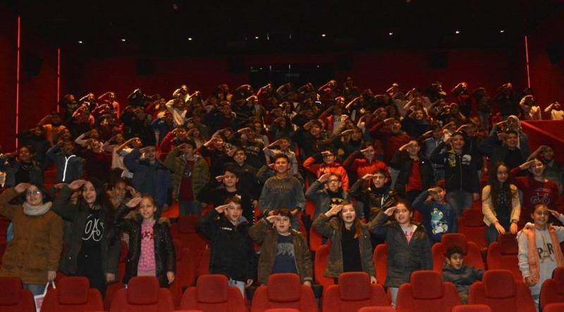 Sarayköylü minikler Afrin kahramanlarını unutmadı