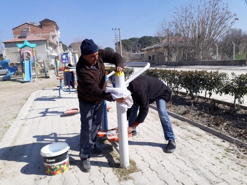 Sarayköy'ün parklarında çocuklar güvende