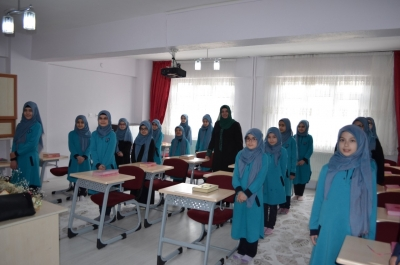 Başkan Yardımcısı Prof. Dr. Huriye Martı, Kur'an Kurs'larını Ziyaret Etti