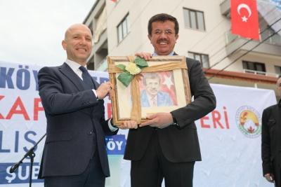 Denizli'nin en büyük pazar yeri Sarayköy'de açıldı.