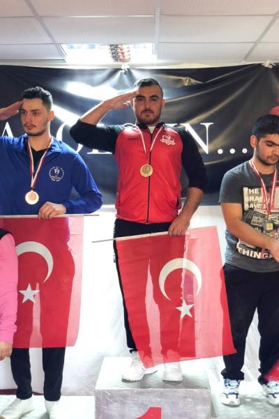 PAÜ'lü Sporcudan Altın Madalya