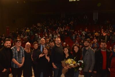 Sarayköy Belediyesi Tiyatro Kulübü öğrencileri hünerlerini sergiledi